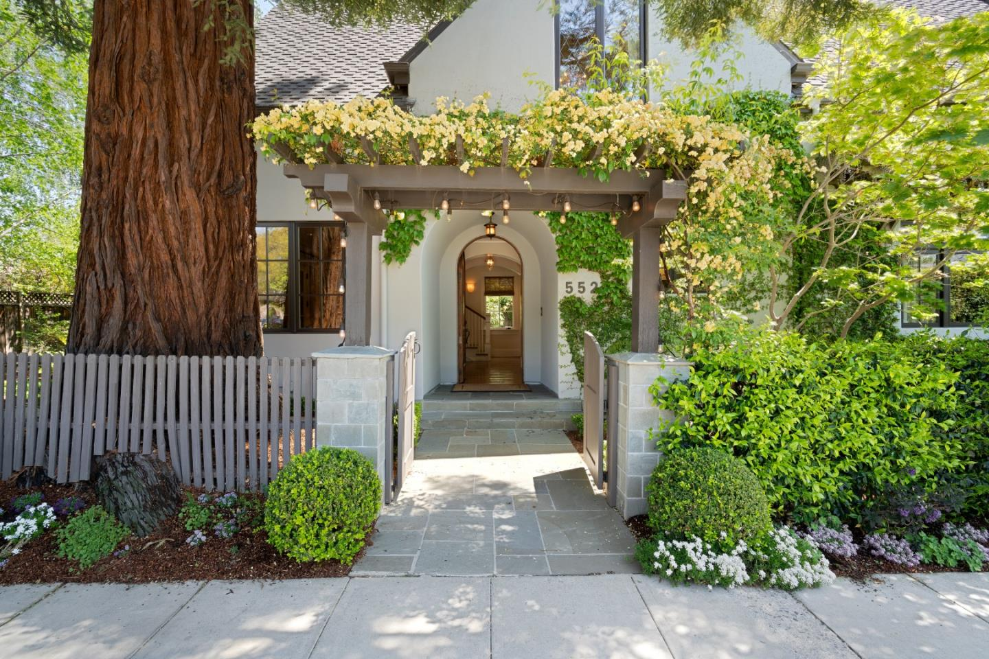 Detail Gallery Image 1 of 24 For 552 Kellogg Ave, Palo Alto,  CA 94301 - 4 Beds | 3/1 Baths