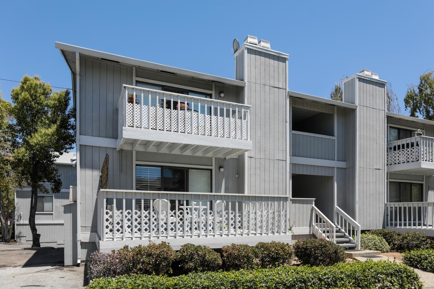 Detail Gallery Image 1 of 19 For 253 Oak Ave #A,  Redwood City,  CA 94061 - 2 Beds | 2 Baths