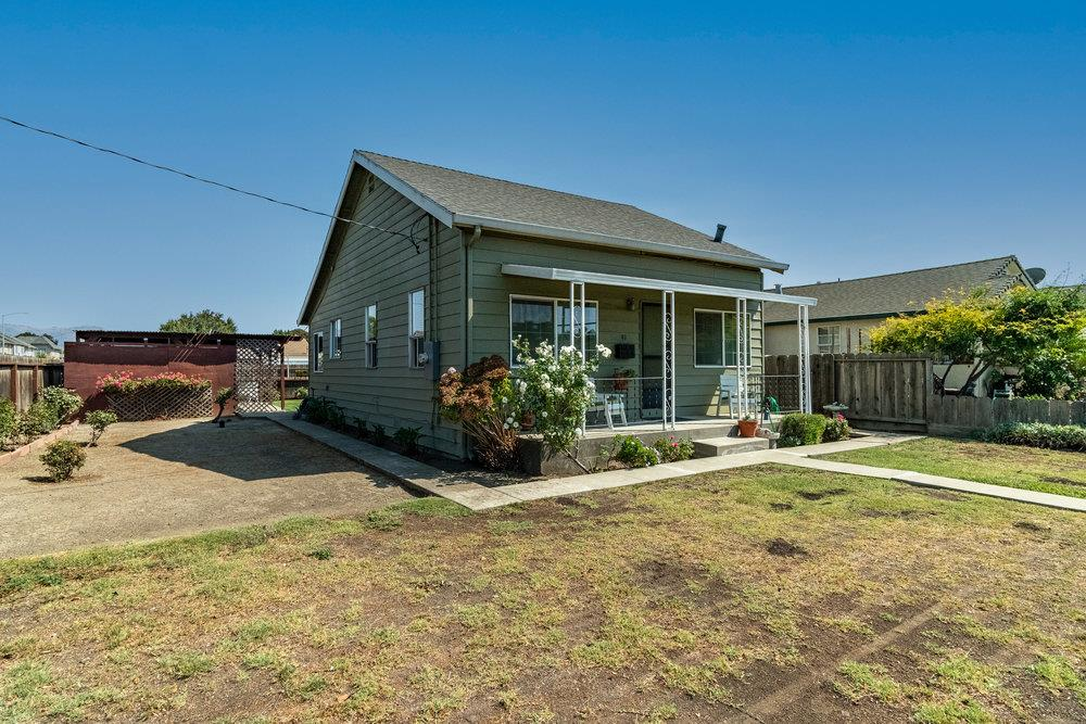 Detail Gallery Image 1 of 41 For 91 Rustic St, Hollister,  CA 95023 - 2 Beds   1 Baths