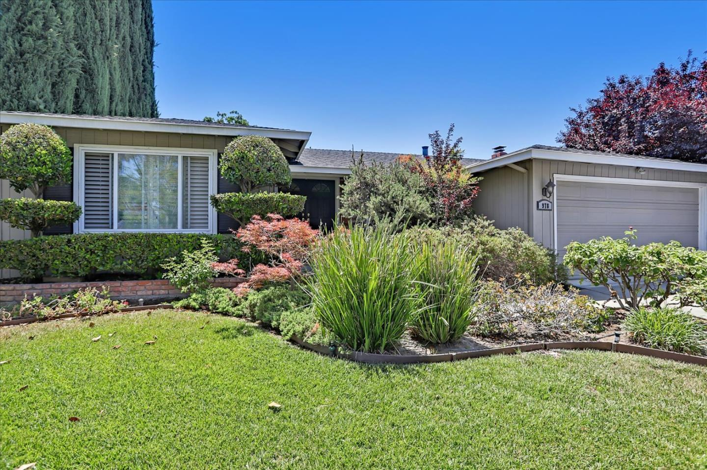 Detail Gallery Image 1 of 1 For 978 Scotsglen Ct, San Jose,  CA 95136 - 4 Beds | 2 Baths