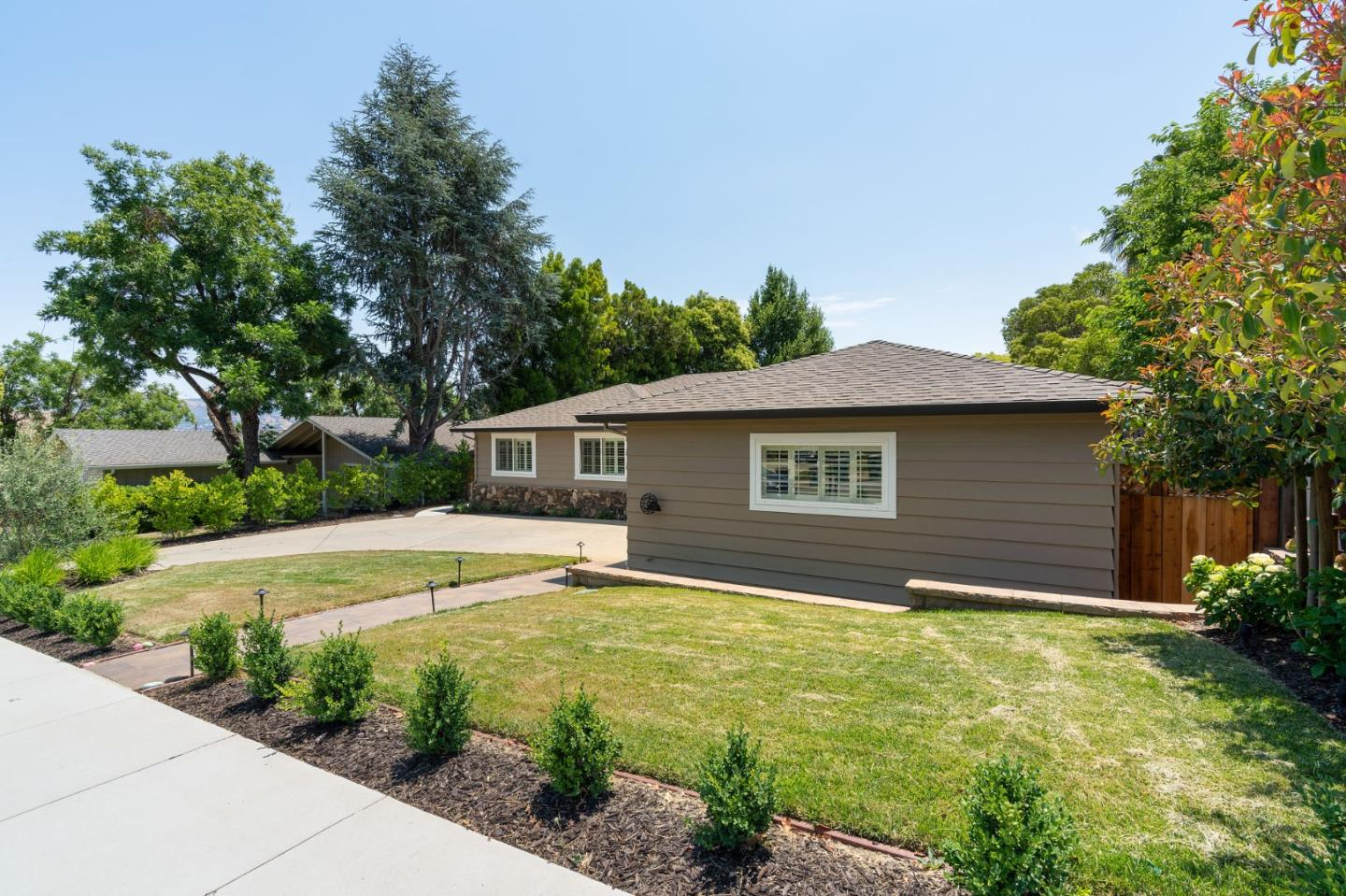 Detail Gallery Image 1 of 1 For 770 Claremont Dr, Morgan Hill,  CA 95037 - 3 Beds   2/1 Baths