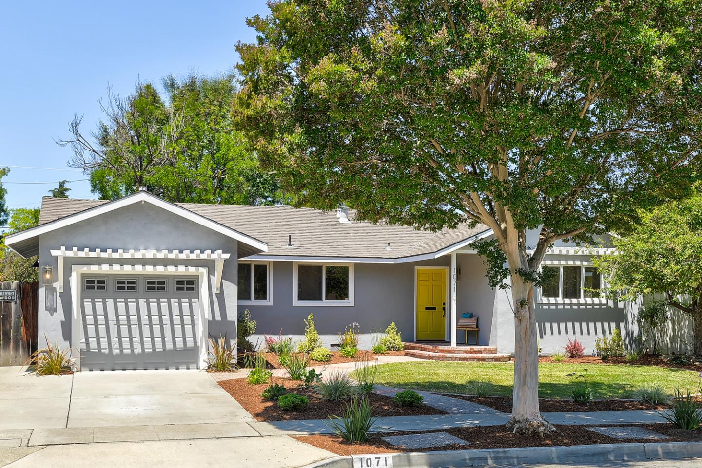 Detail Gallery Image 1 of 1 For 1071 Hudson Way, Sunnyvale,  CA 94087 - 3 Beds | 2 Baths