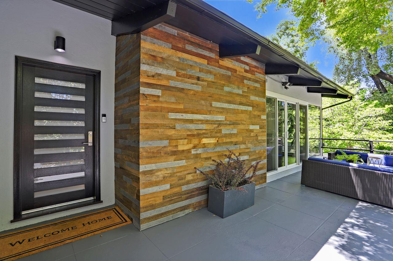 Detail Gallery Image 1 of 1 For 110 N Balsamina Way, Portola Valley,  CA 94028 - 5 Beds | 4/1 Baths