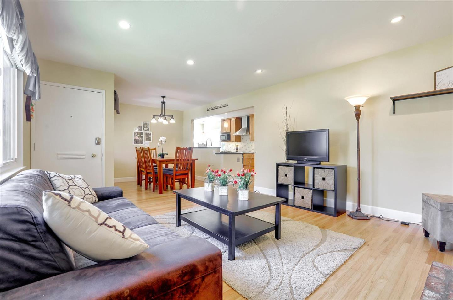 Detail Gallery Image 1 of 1 For 2595 Sutro Dr, San Jose,  CA 95124 - 3 Beds | 2 Baths