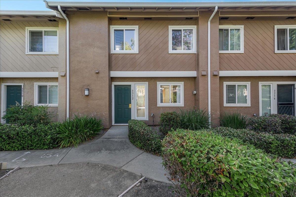 Detail Gallery Image 1 of 1 For 3312 Swancreek Ct, San Jose,  CA 95121 - 3 Beds | 2/1 Baths