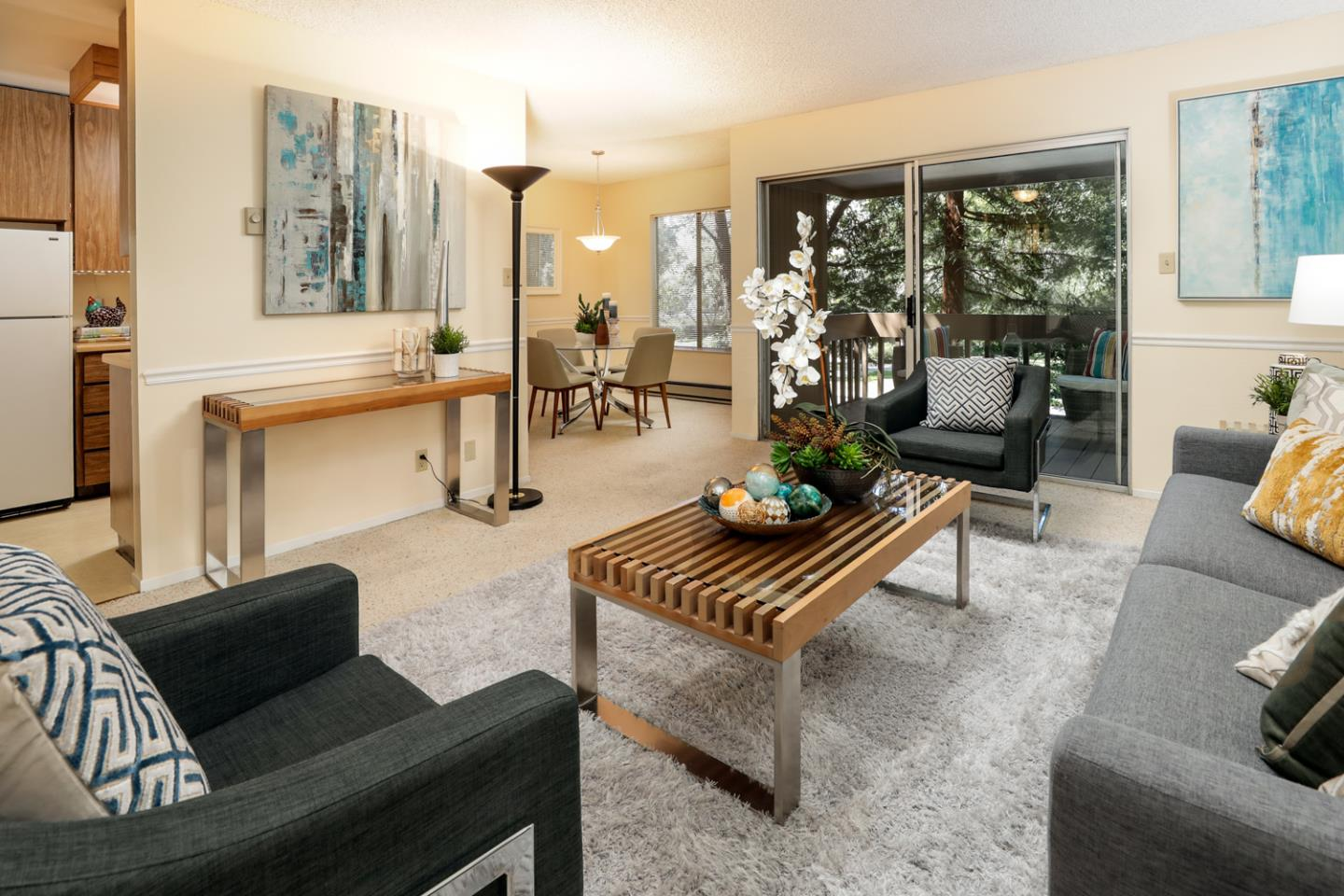 Best priced 1 bedroom condo in Mountain View.  Top floor unit at highly desired Cypress Point Lakes.  Just 2 blocks to downtown Mountain View's many shops, restaurants and CalTrain.  Cypress Point Lakes offers a park like setting with lakes and streams, greenbelt, towering redwoods, 2 pools, spa, sauna and tennis courts.  This is the best value in Mountain View.  Freshly painted and ready for new buyer.