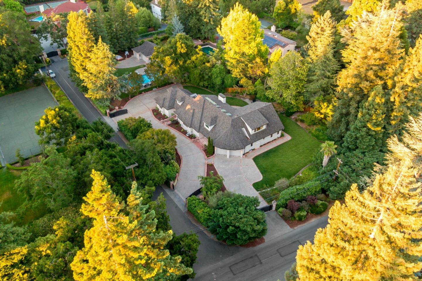 255 Selby LN Atherton CA 94027
