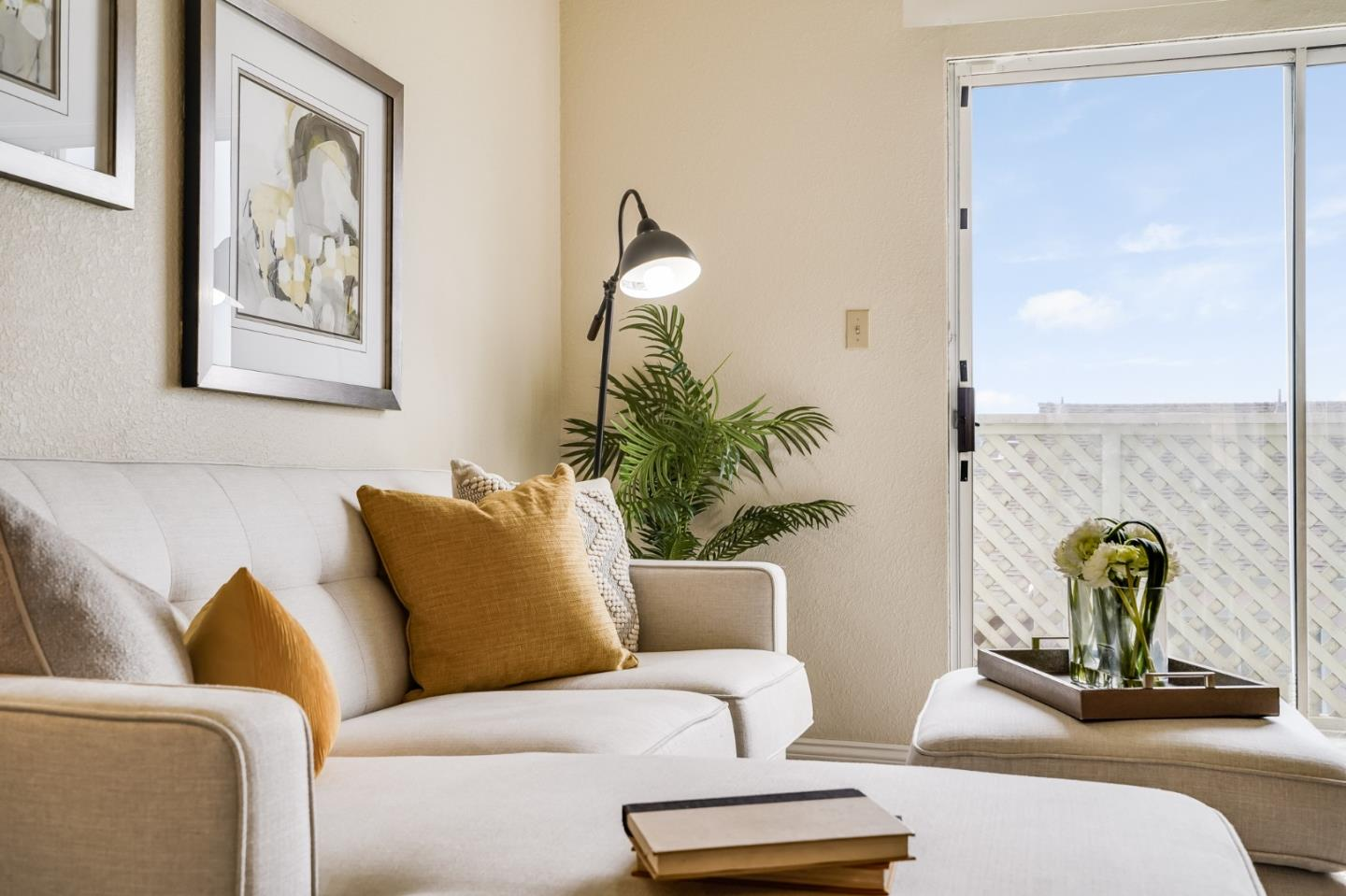 Detail Gallery Image 1 of 1 For 1004 San Antonio Cir #308,  Daly City,  CA 94014 - 1 Beds   1 Baths