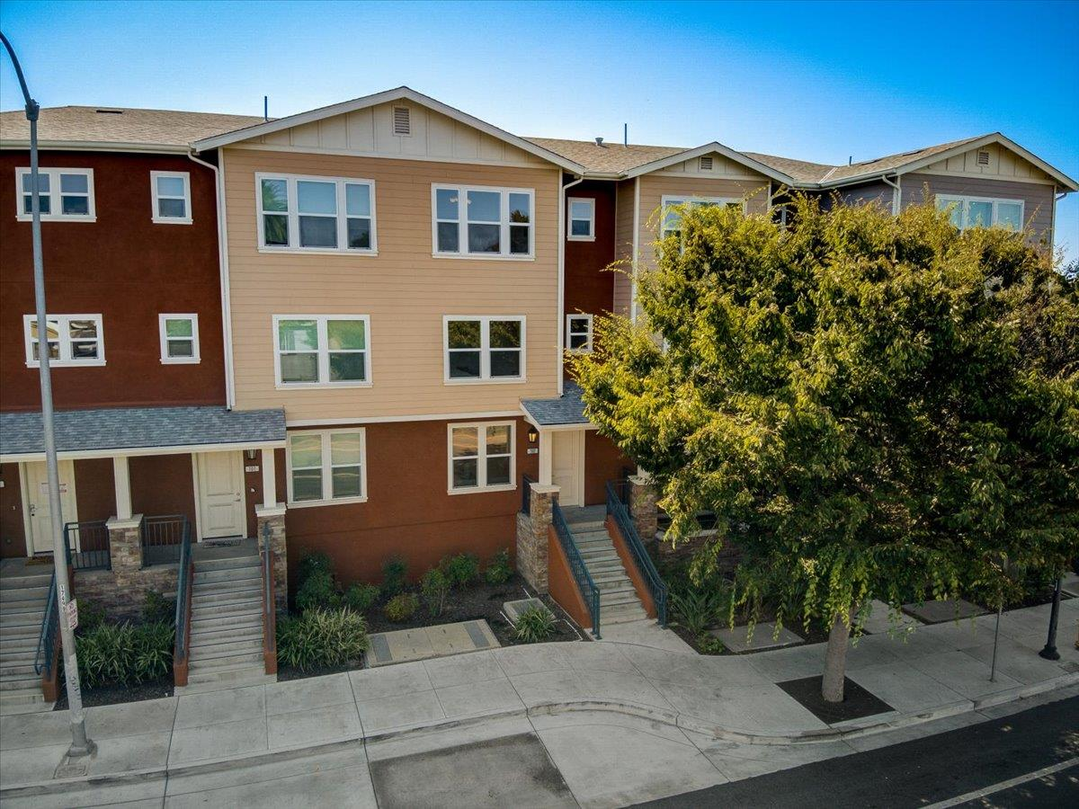 Bright and spacious townhome in desirable Fremont location with over $20,000 of upgrades.  Enjoy the modern looks of this beautiful home built in 2016 boasting 4 bedrooms/2.5 bathrooms with all new laminate flooring across 1,800+ square feet of space! Comes with 2 car parking spaces, guest parking, and a deeded spacious storage room. On the first floor, the chef inspired kitchen with stainless steel, generous counter top and custom made cabinets & a spacious dining/living area. The second floor has 2 bedrooms / one bathroom and the top floor has the master bedroom with a fourth bedroom. All rooms have great closet space and an abundance of natural light. Central location, South Bay, SFO and Facebook & Tesla being nearby. Walking & Biking trail, Lake Elizabeth & Quarry Lake nearby offer a great lifestyle. Easy access to 880/680/84/BART. Only two blocks from the Ace train station. Located in a top-rated school district. DON'T MISS IT
