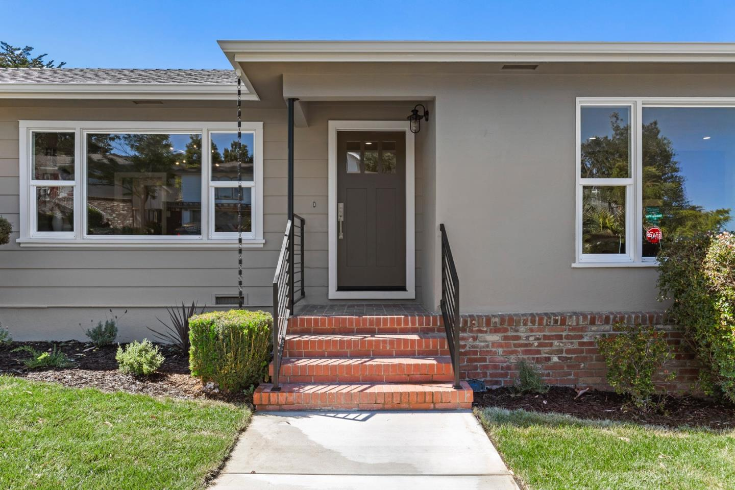 Detail Gallery Image 1 of 35 For 500 Madera Dr, San Mateo,  CA 94403 - 5 Beds | 3 Baths