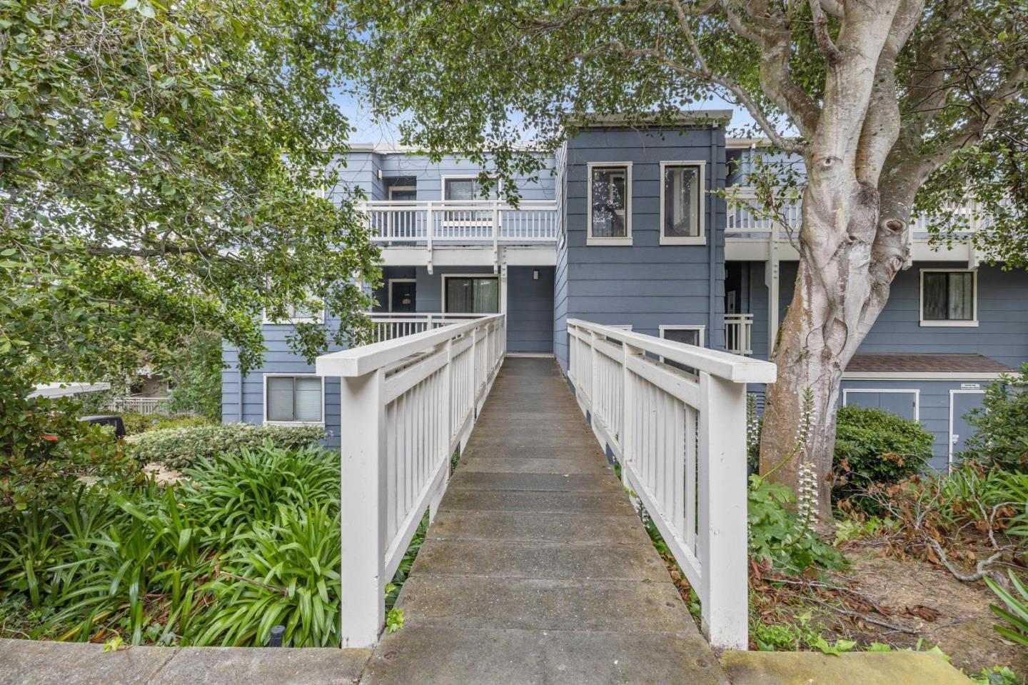 Detail Gallery Image 1 of 1 For 2311 Lupine Ct, Daly City,  CA 94014 - 3 Beds | 2 Baths