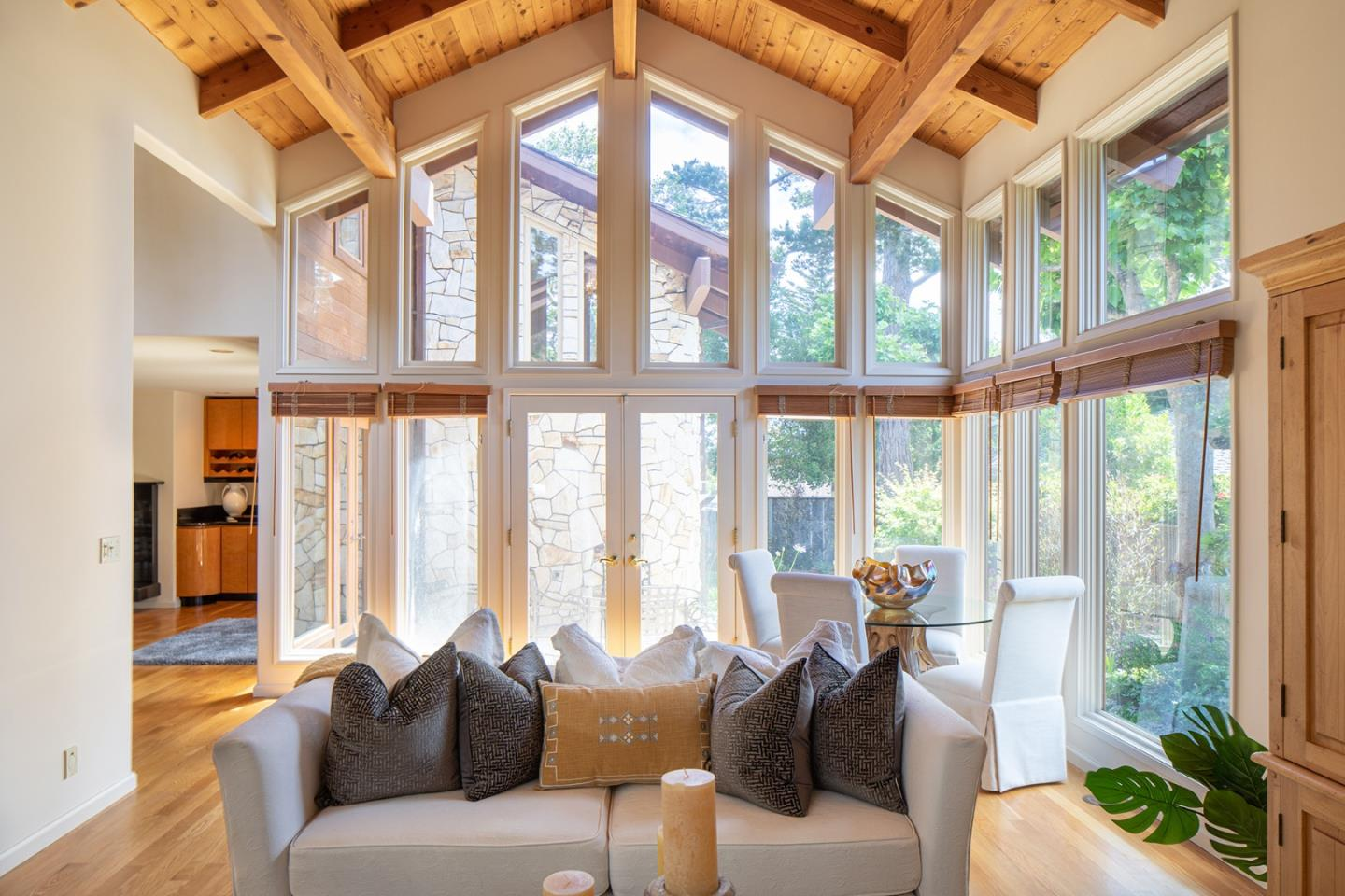 Detail Gallery Image 1 of 18 For 0 San Carlos 4 Se Of 12th, Carmel,  CA 93923 - 3 Beds   2/1 Baths