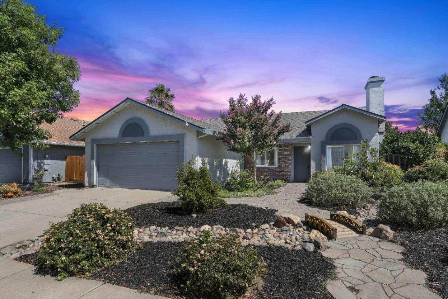 Detail Gallery Image 1 of 19 For 1613 Daisy Tree, Ceres,  CA 95307 - 4 Beds   2 Baths