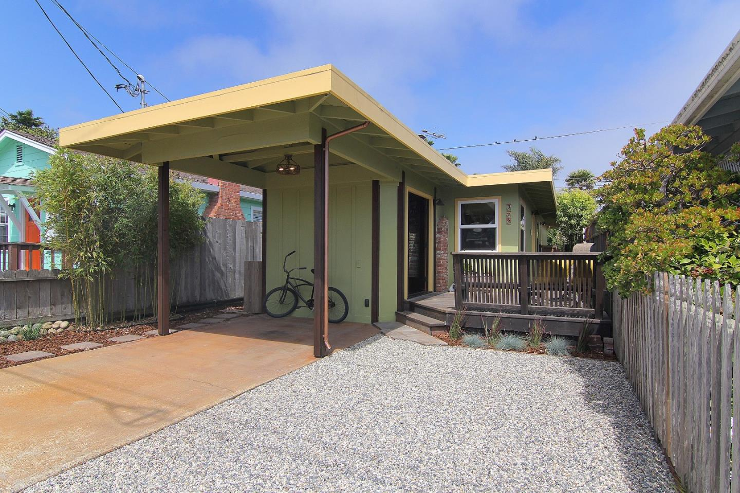 Detail Gallery Image 1 of 1 For 328 34th Ave, Santa Cruz,  CA 95062 - 1 Beds | 1 Baths