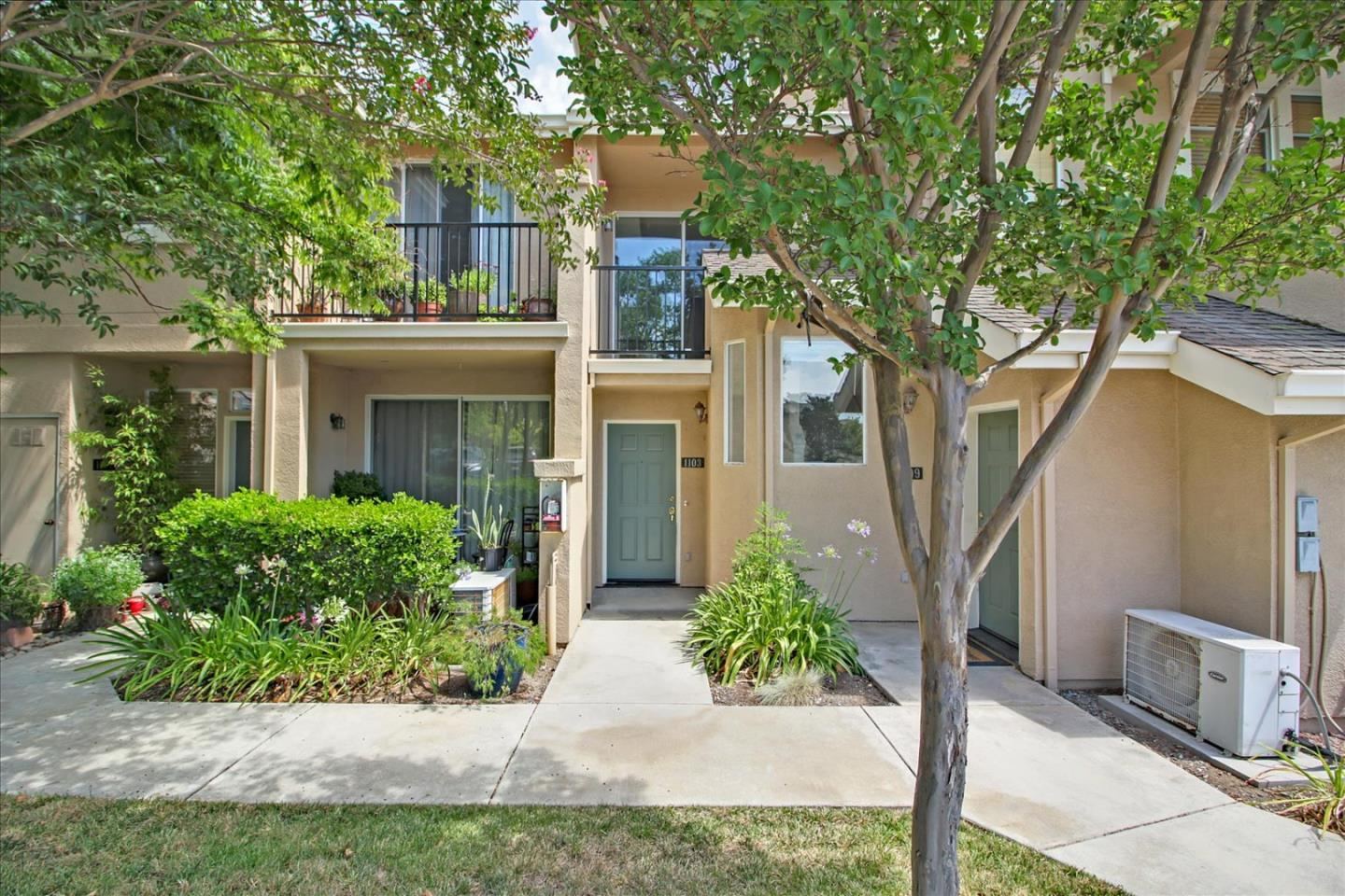 Detail Gallery Image 1 of 1 For 1103 Niguel Ln, San Jose,  CA 95138 - 1 Beds   1/1 Baths