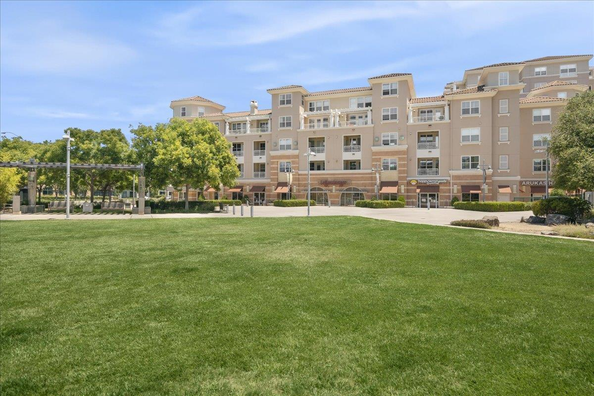 Detail Gallery Image 1 of 1 For 20488 Stevens Creek Blvd #2215,  Cupertino,  CA 95014 - 2 Beds | 2 Baths