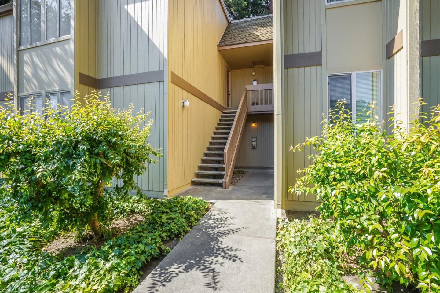 Detail Gallery Image 1 of 1 For 505 Cypress Point Dr #44,  Mountain View,  CA 94043 - 2 Beds | 1 Baths