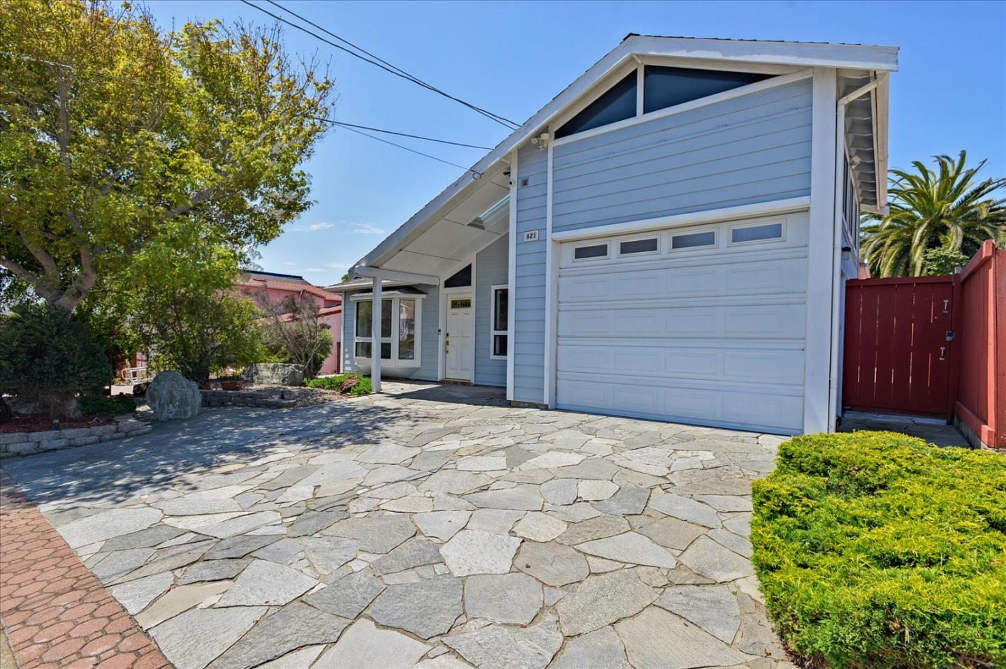 Detail Gallery Image 1 of 1 For 621 Hillside Blvd, South San Francisco,  CA 94080 - 3 Beds   2 Baths