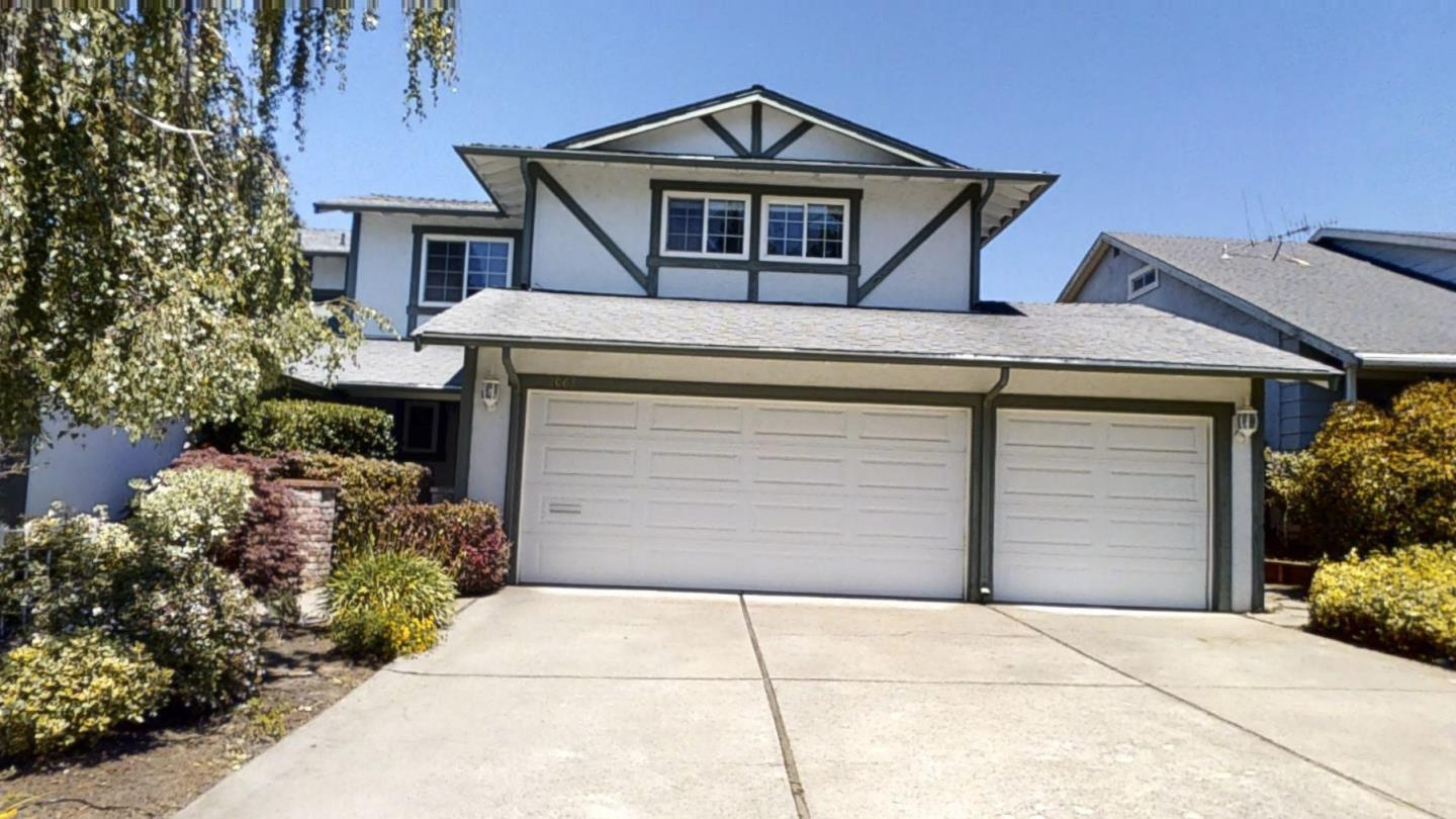 Detail Gallery Image 1 of 29 For 2061-2063 Fairmont Dr, San Mateo,  CA 94402 - 5 Beds   4/2 Baths