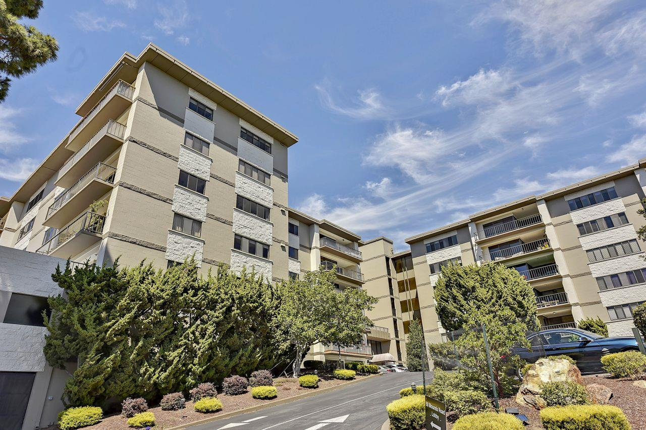 Detail Gallery Image 1 of 41 For 50 Mounds Rd #401,  San Mateo,  CA 94402 - 2 Beds | 2 Baths