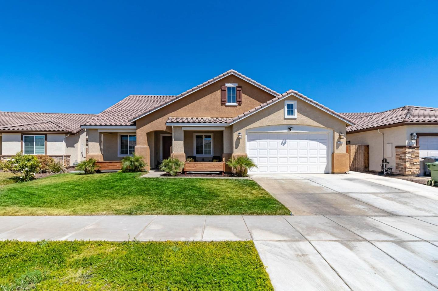 Detail Gallery Image 1 of 1 For 2444 N Mountainside Dr, Los Banos,  CA 93635 - 4 Beds | 2/1 Baths