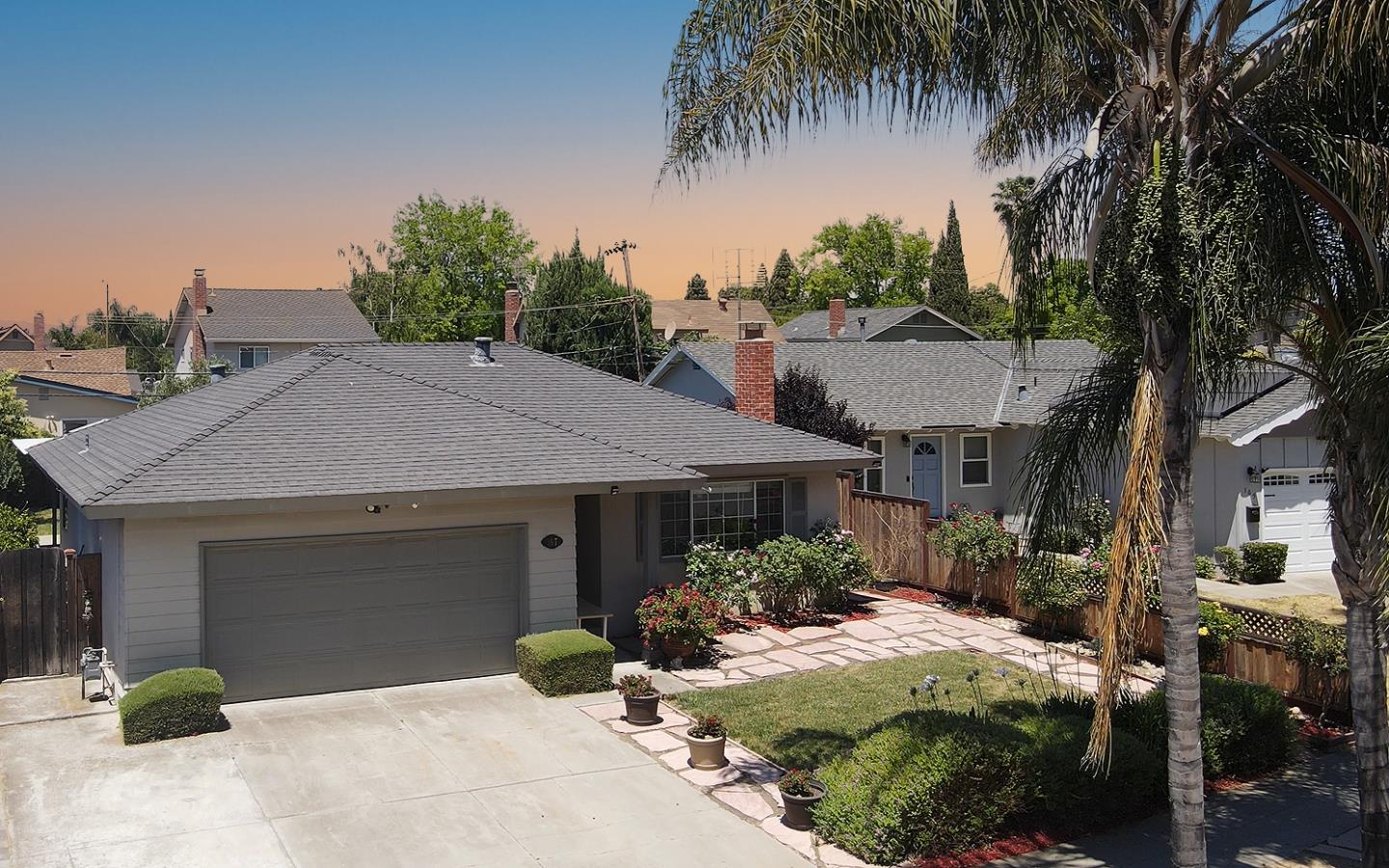 Detail Gallery Image 1 of 1 For 167 Manton Dr, San Jose,  CA 95123 - 4 Beds   2 Baths