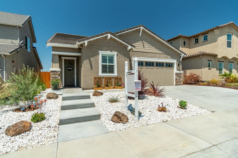 Detail Gallery Image 1 of 44 For 1638 Lily Ct, Hollister,  CA 95023 - 3 Beds | 2 Baths