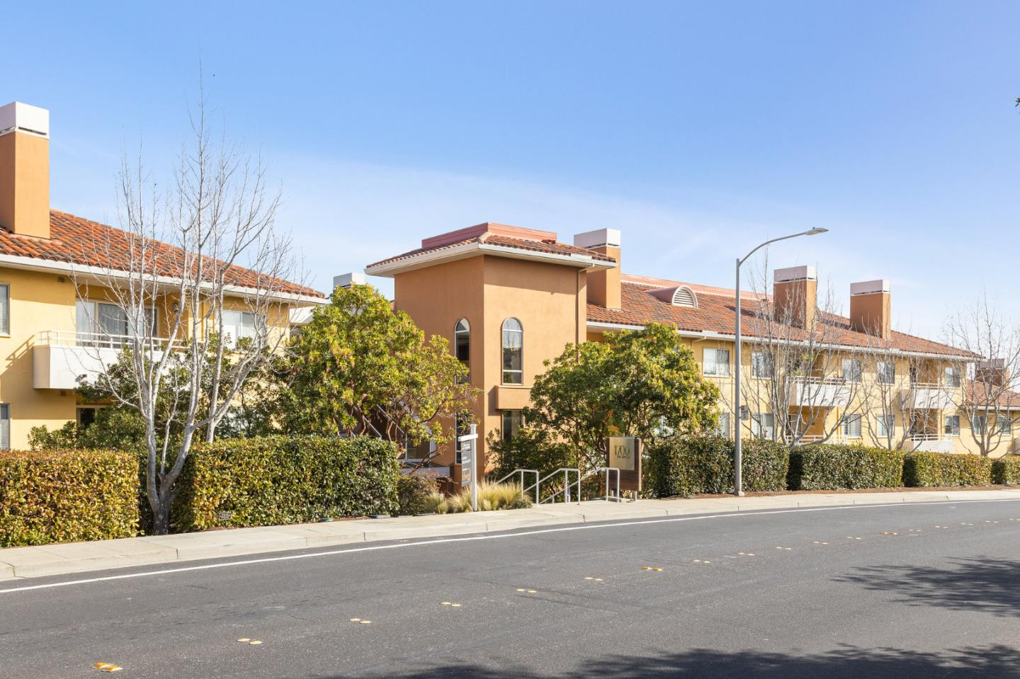 Detail Gallery Image 1 of 33 For 1700 De Anza Blvd 108c,  San Mateo,  CA 94403 - 2 Beds | 2 Baths