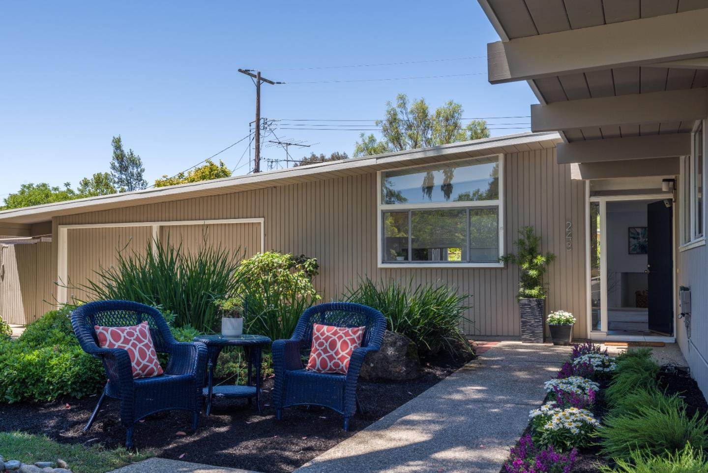 Detail Gallery Image 1 of 1 For 243 Ely Pl, Palo Alto,  CA 94306 - 4 Beds   2 Baths