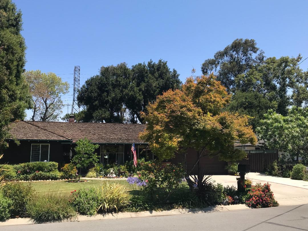 1945 Fallen Leaf LN Los Altos CA 94024