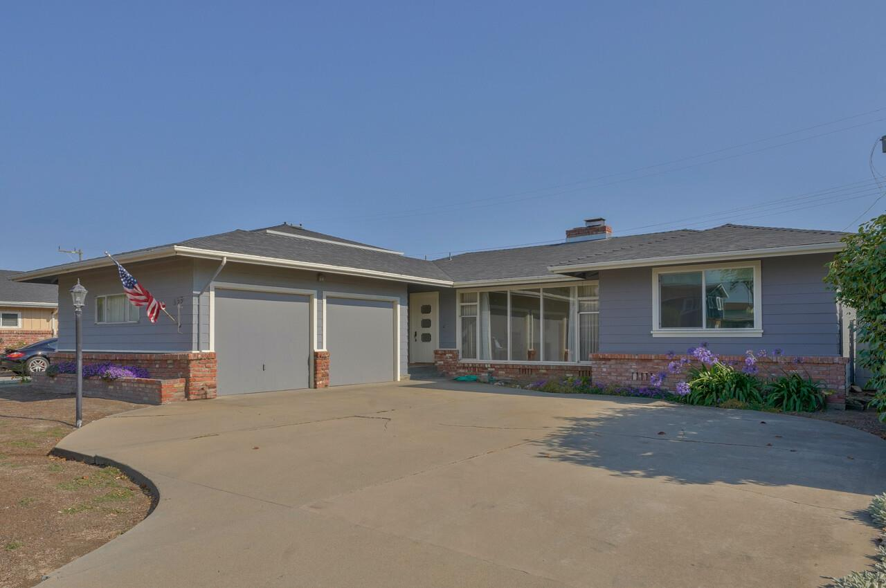 Detail Gallery Image 1 of 26 For 339 Palma Dr, Salinas,  CA 93901 - 3 Beds   2 Baths