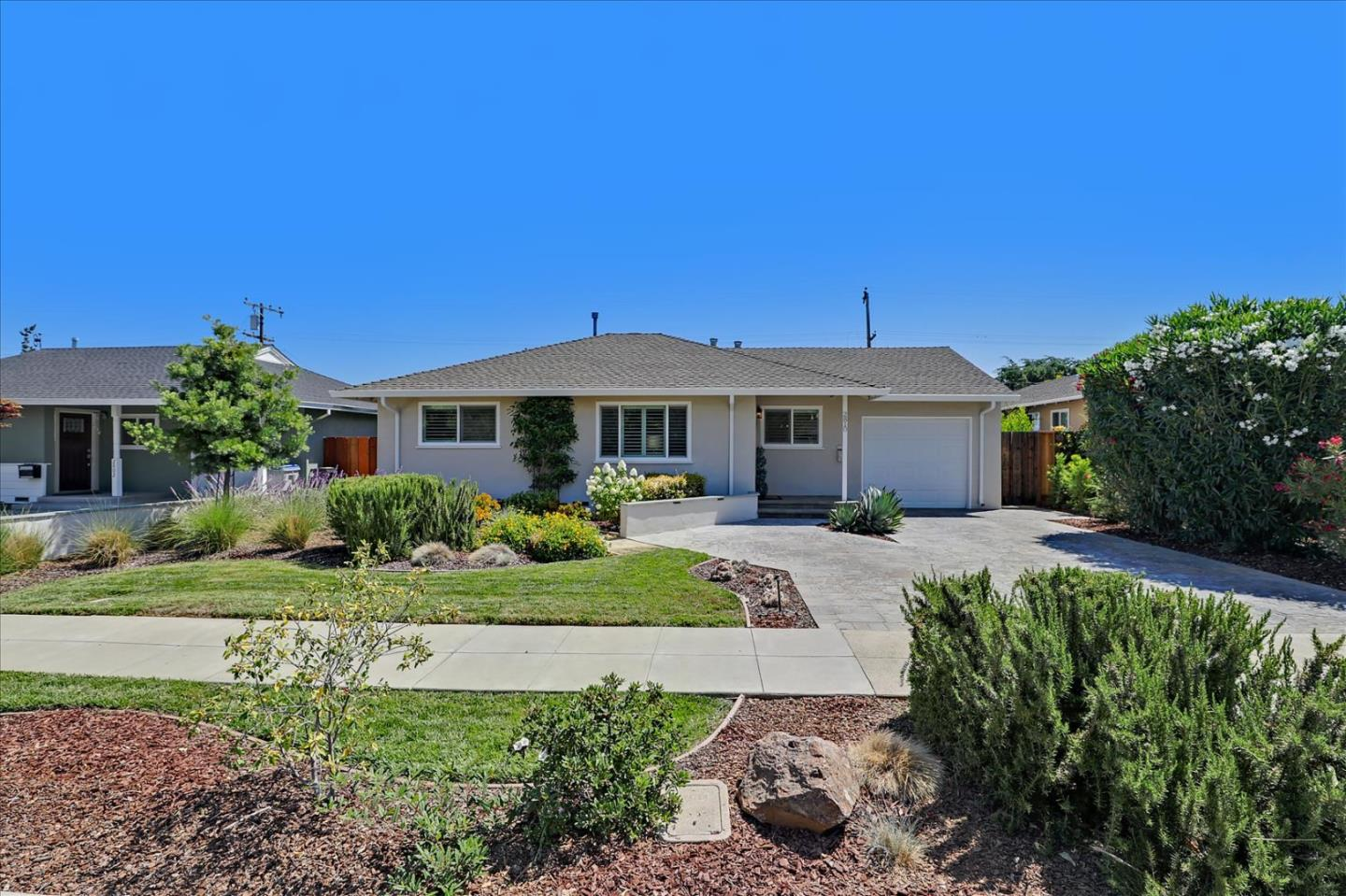 Detail Gallery Image 1 of 1 For 2810 Rustic Dr, San Jose,  CA 95124 - 3 Beds | 1 Baths