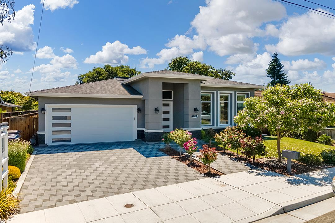 Detail Gallery Image 1 of 1 For 717 Alice Ave, Mountain View,  CA 94041 - 5 Beds | 3/1 Baths