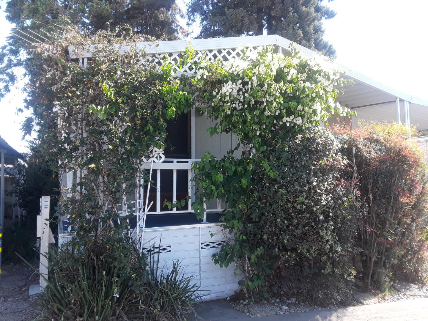Detail Gallery Image 1 of 23 For 2150 Almaden Rd #118,  San Jose,  CA 95125 - 2 Beds   2 Baths