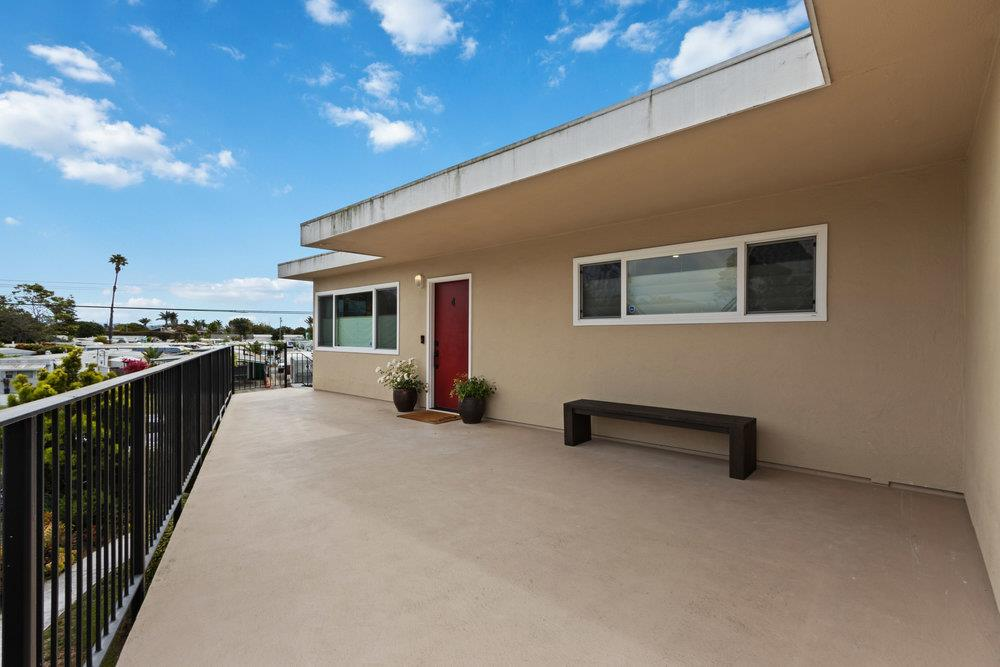 Detail Gallery Image 1 of 1 For 911 38th Ave #4,  Santa Cruz,  CA 95062 - 2 Beds | 1 Baths
