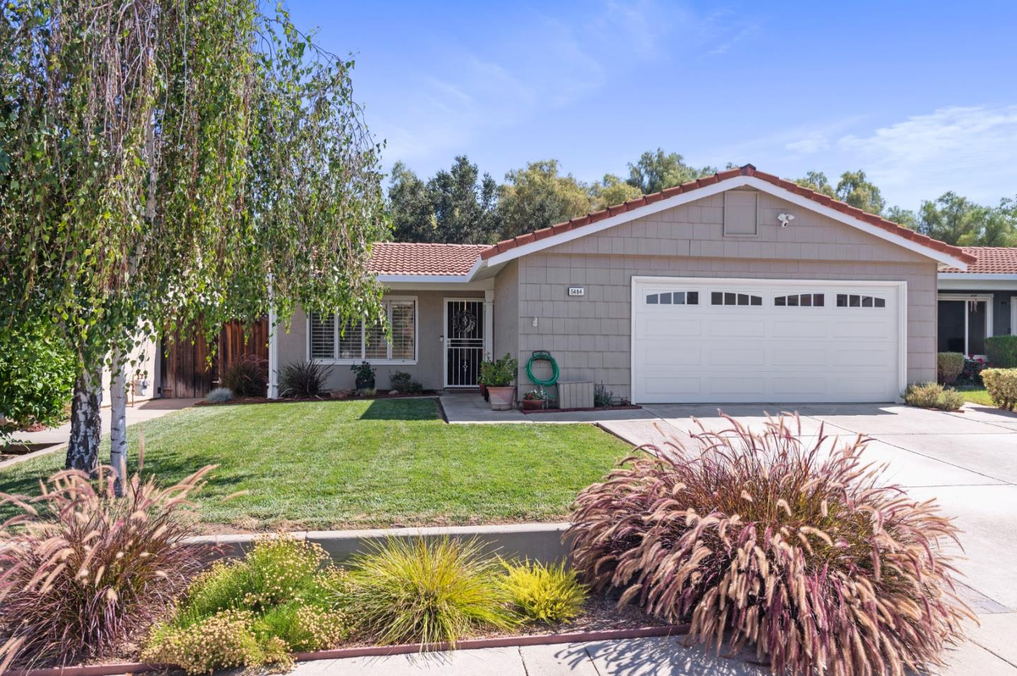 Detail Gallery Image 1 of 1 For 5484 Demerest Ln, San Jose,  CA 95138 - 3 Beds   2 Baths