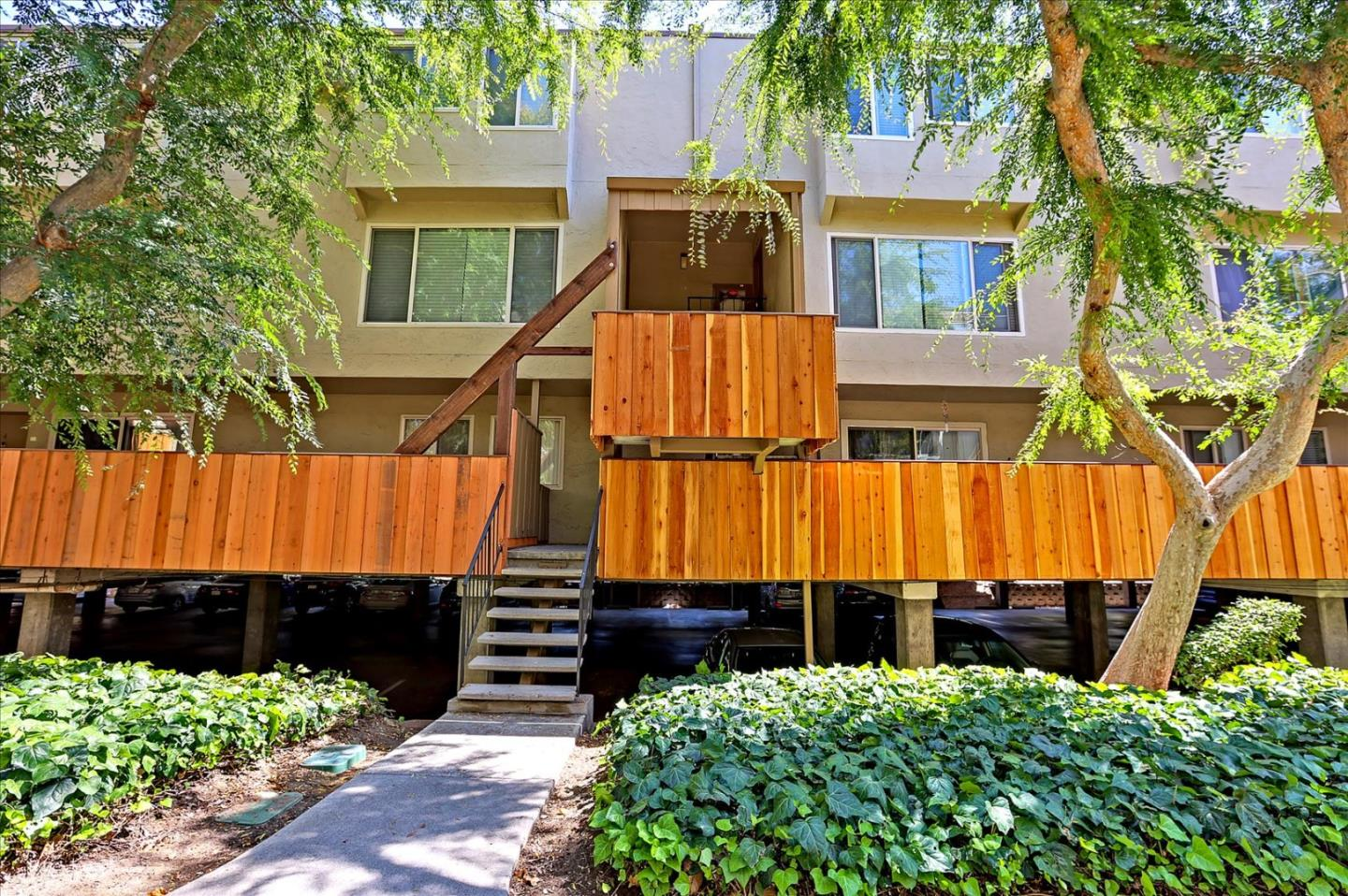 Detail Gallery Image 1 of 1 For 490 Auburn Way #5,  San Jose,  CA 95129 - 2 Beds   1/1 Baths