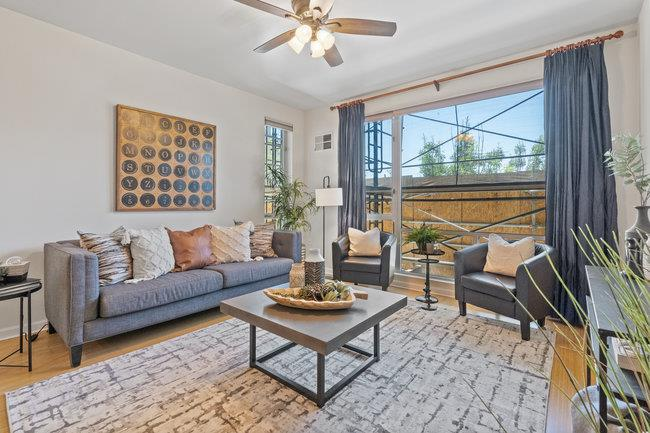 Detail Gallery Image 1 of 1 For 200 2nd St #104,  Oakland,  CA 94607 - 1 Beds   1 Baths
