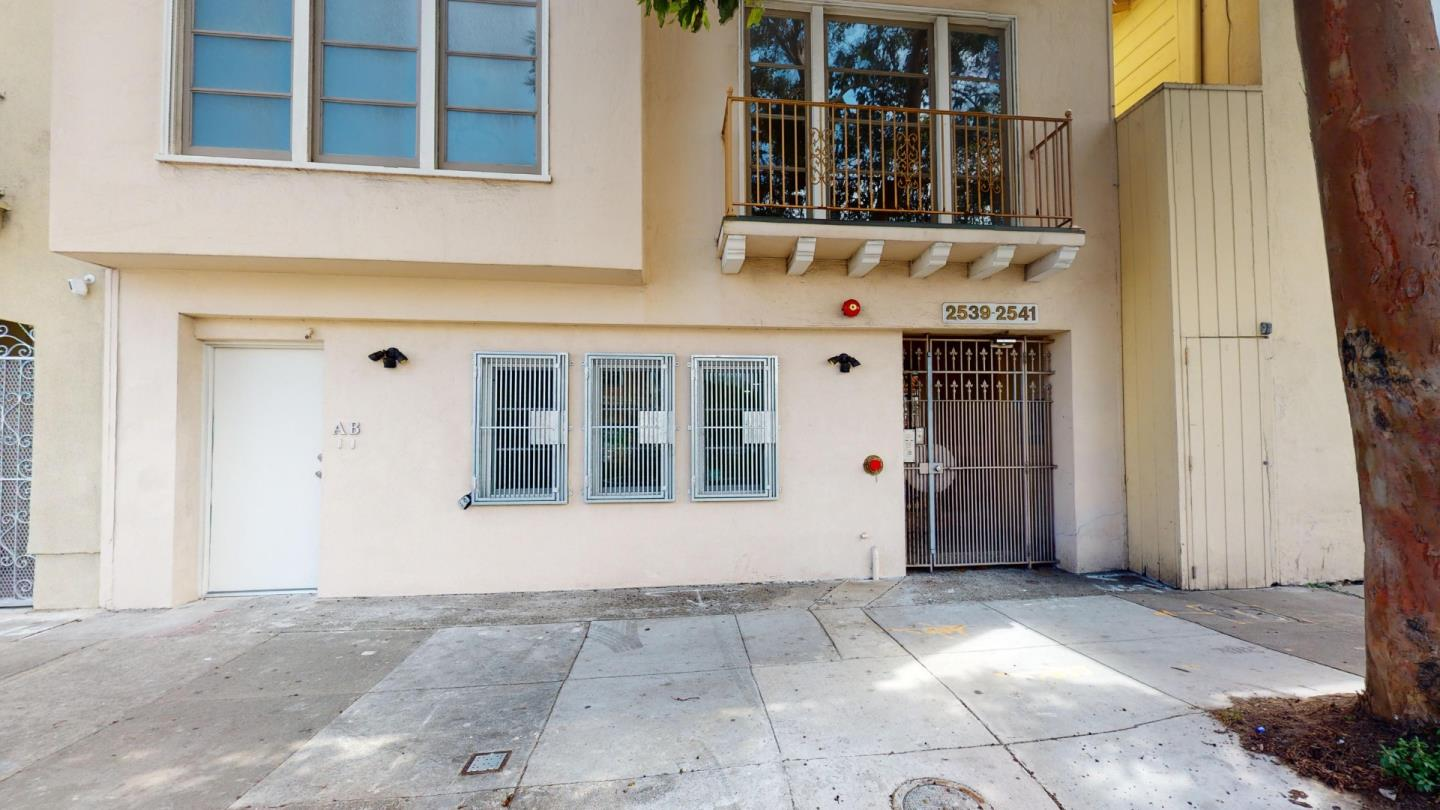 Detail Gallery Image 1 of 20 For 2539 Lombard St #A,  San Francisco,  CA 94123 - 0 Beds | 1 Baths