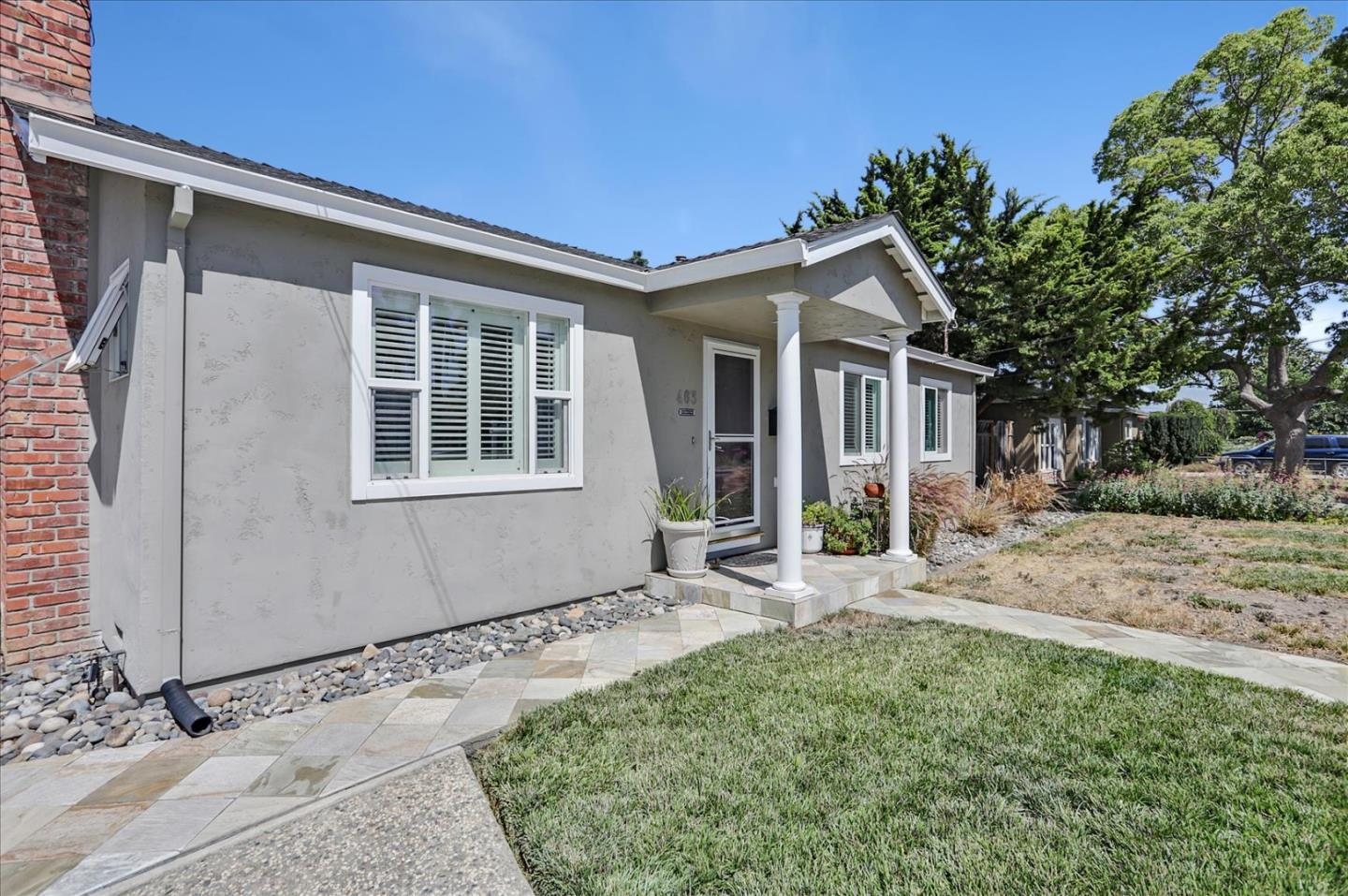 Detail Gallery Image 1 of 1 For 463 Rosewood Ave, San Jose,  CA 95117 - 2 Beds | 2/1 Baths