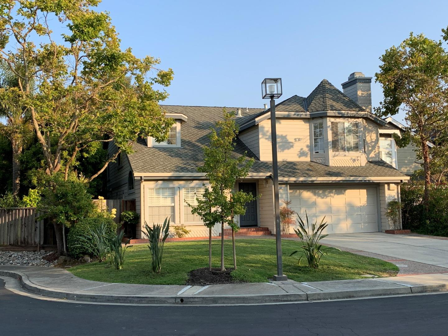 Step through the custom entry door to discover this gracious 5 bed / 3 bath home in the premier Antiqua neighborhood.  Located on a quiet cul-de-sac. This home has been enjoyed and well cared for over the past 22 years. Thoughtfully updated with 1 bed/bath on the main level. Marble tile entry to the spacious living & dining area w/vaulted ceilings. Exceptional natural lighting, well apportioned bedrooms and European & Japanese finishes/fixtures throughout from foyer through kitchen/bathrooms, including granite kitchen countertops and full slab marble bathroom vanities. Family room w/fireplace opens up to landscaped backyard. Primary Suite with a fireplace and walk-in closet. Garage is showroom ready, extended driveway for easy parking and water saving fixtures/exterior sprinkler system in place. Situated only minutes away from your private clubhouse, pool, gym, and tennis courts, award-winning Foster City schools, shopping, Sea Cloud & Port Royal Park, and access to major highways.
