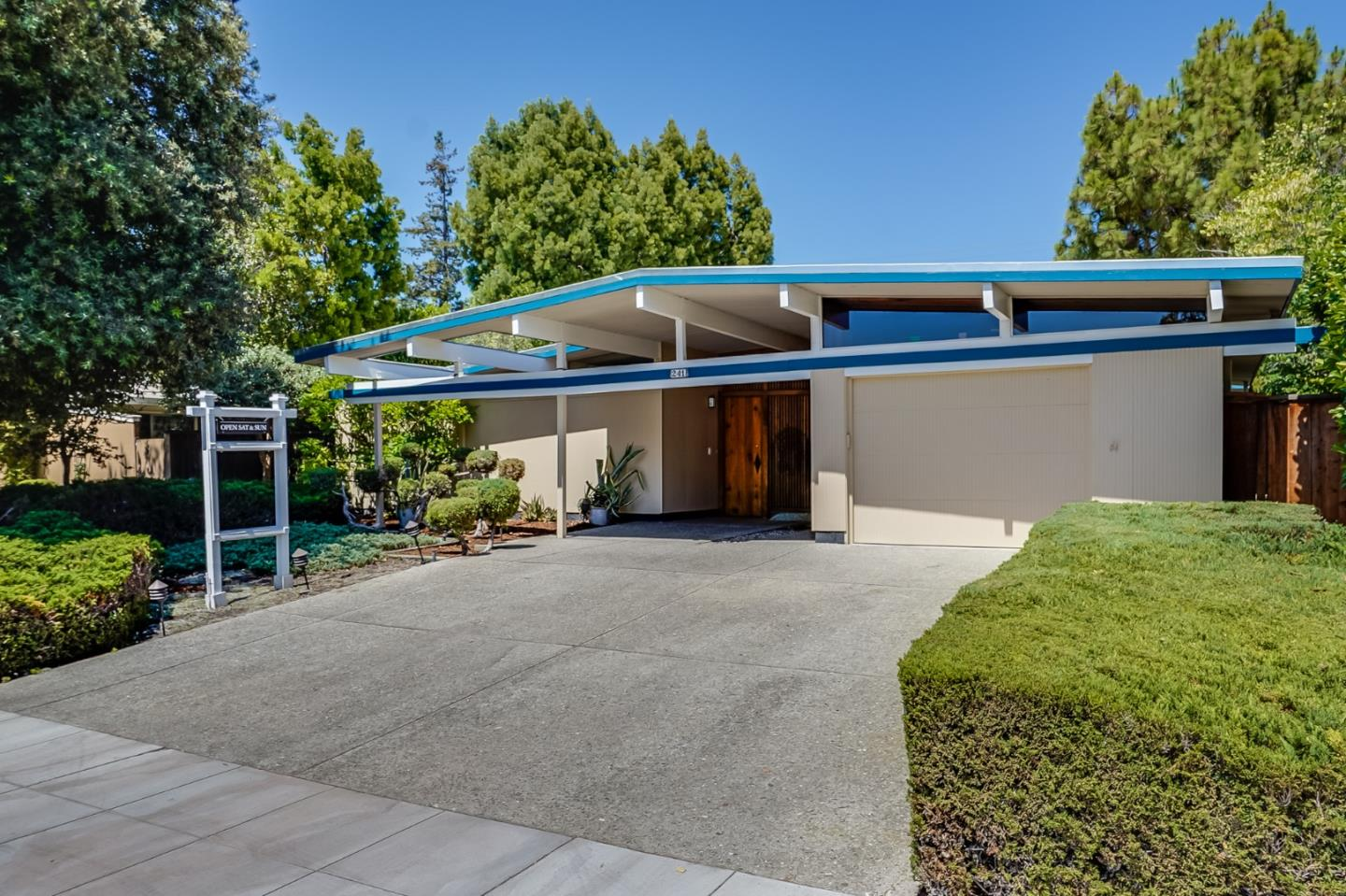 Detail Gallery Image 1 of 1 For 241 Ferne, Palo Alto,  CA 94306 - 4 Beds | 2/1 Baths