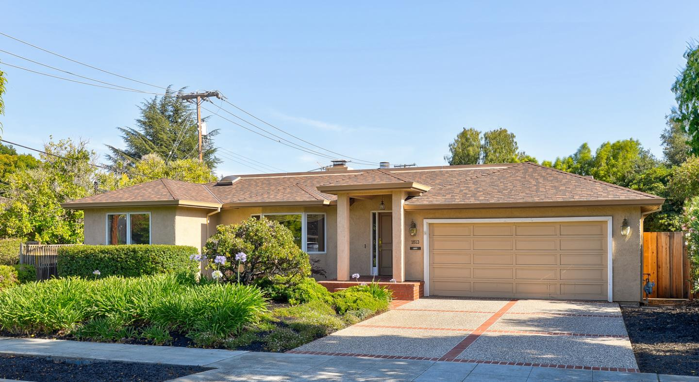 1613 Hollingsworth DR Mountain View CA 94040