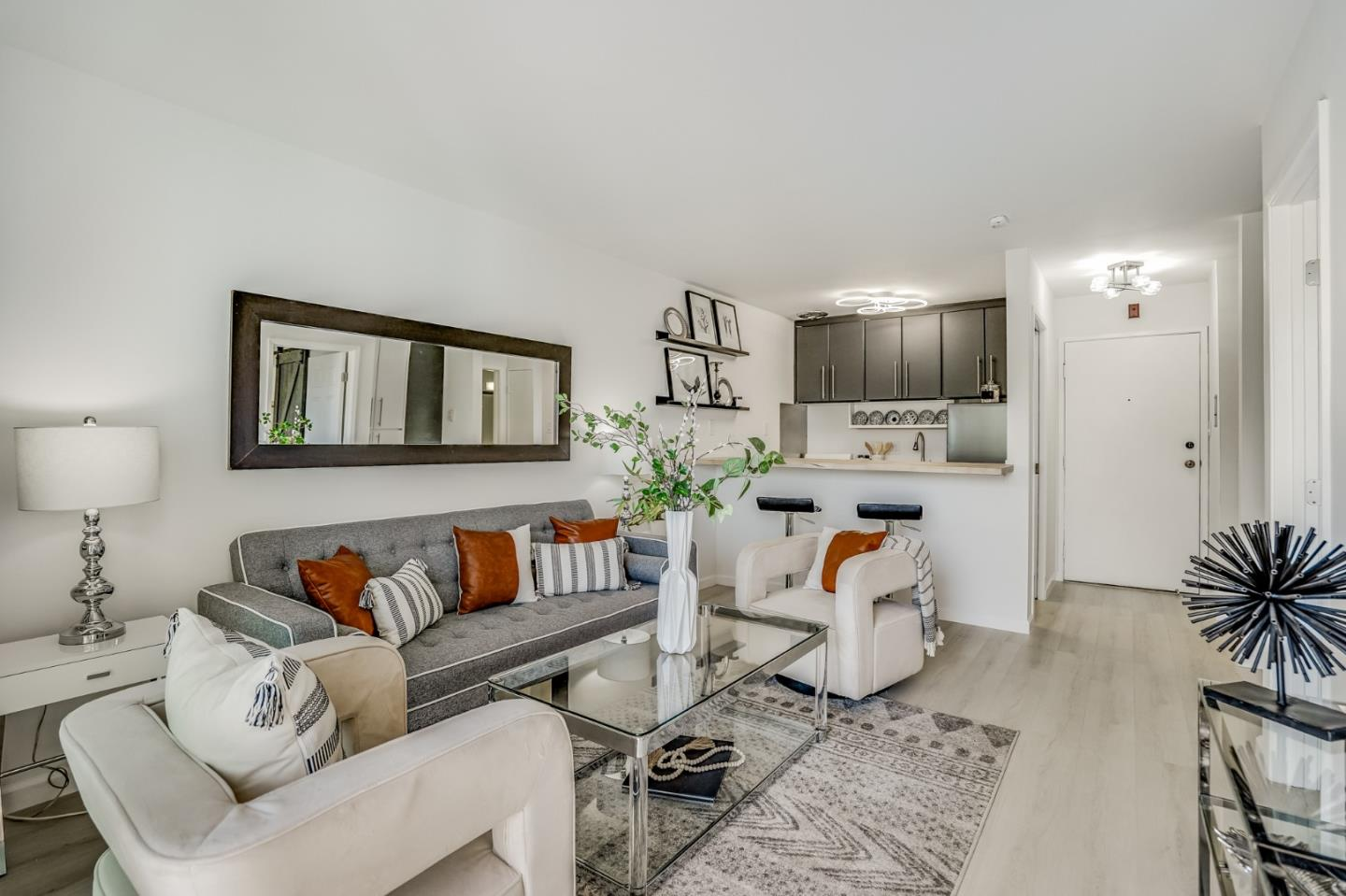 Detail Gallery Image 1 of 34 For 833 N Humboldt St #319,  San Mateo,  CA 94401 - 1 Beds | 1 Baths