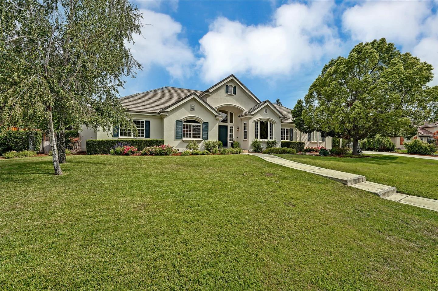 Detail Gallery Image 1 of 1 For 14680 Secretariat Ct, Morgan Hill,  CA 95037 - 4 Beds   4 Baths