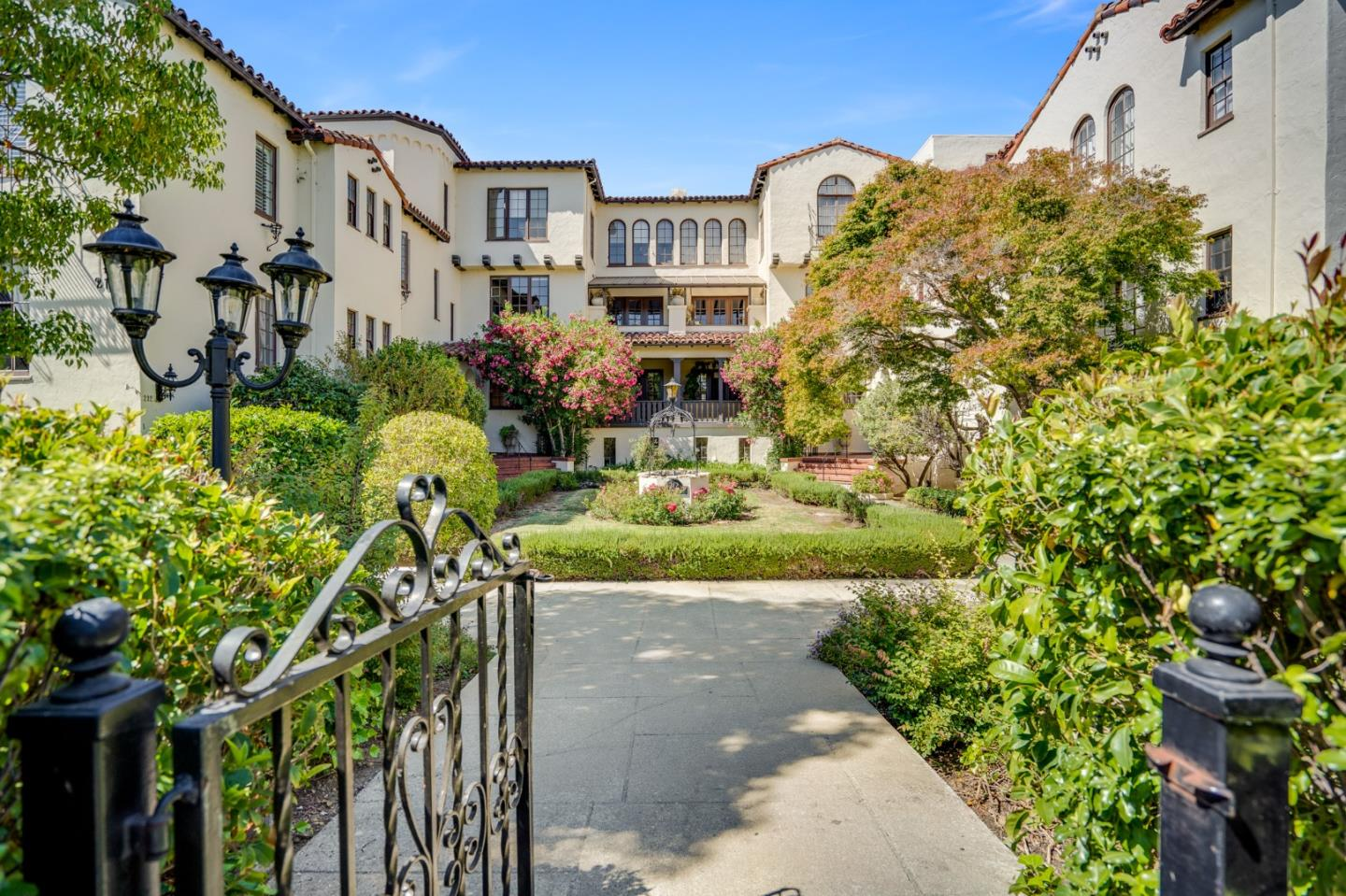 Detail Gallery Image 1 of 1 For 212 Eaton Rd #23,  San Mateo,  CA 94402 - 2 Beds | 1 Baths