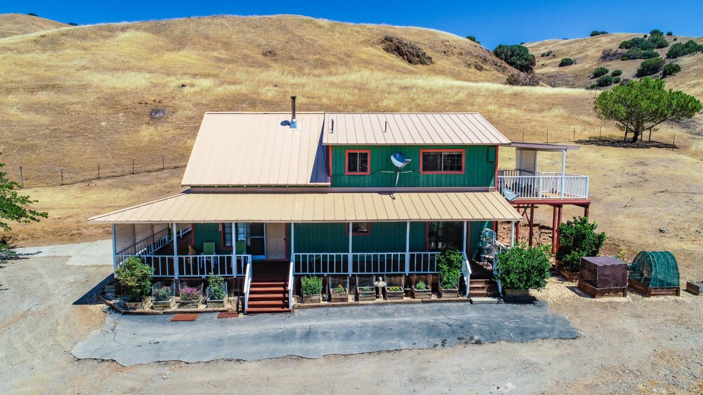 Detail Gallery Image 1 of 75 For 20013 Panoche Rd, Paicines,  CA 95043 - 3 Beds | 2 Baths