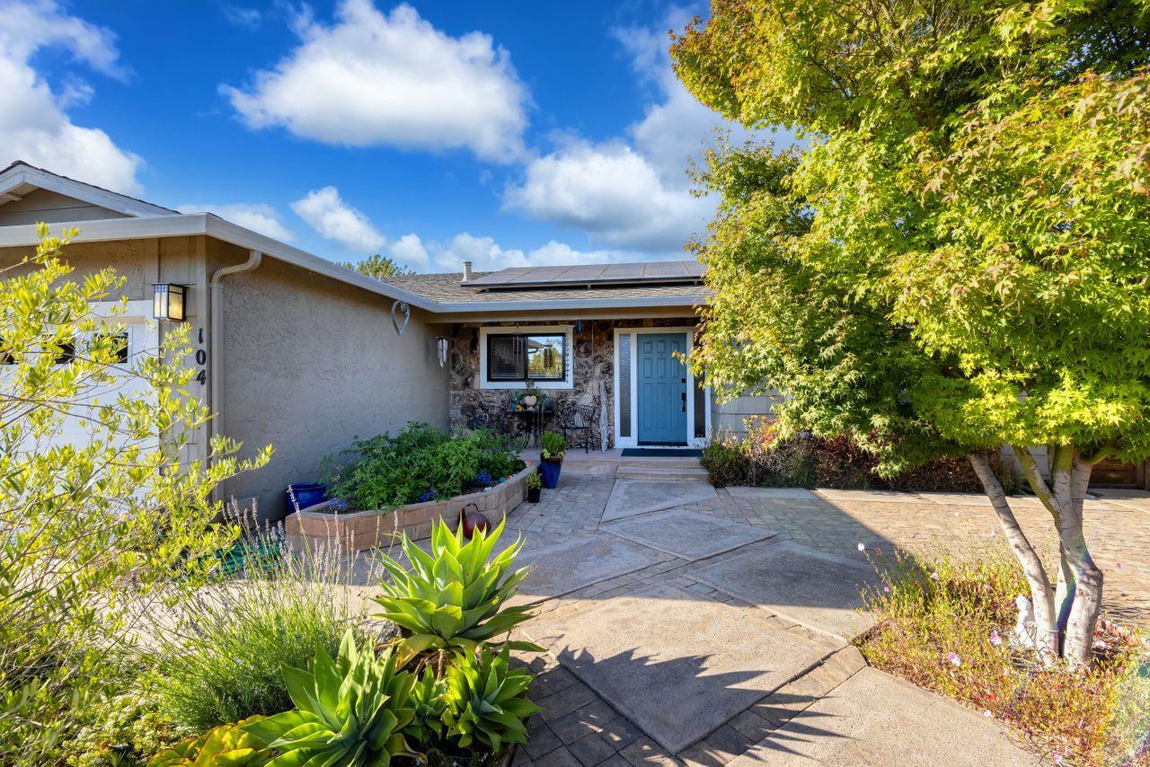 Detail Gallery Image 1 of 1 For 104 Mcmillan Ct, Santa Cruz,  CA 95060 - 3 Beds | 2 Baths