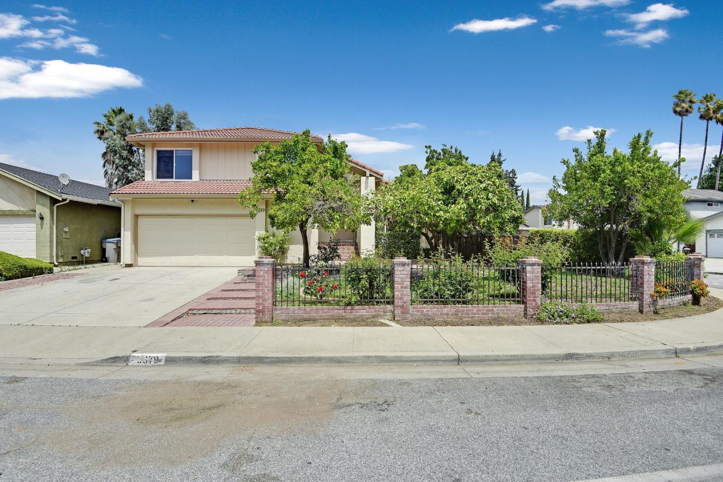 Detail Gallery Image 1 of 1 For 5679 Silver Leaf Rd, San Jose,  CA 95138 - 4 Beds   2/1 Baths