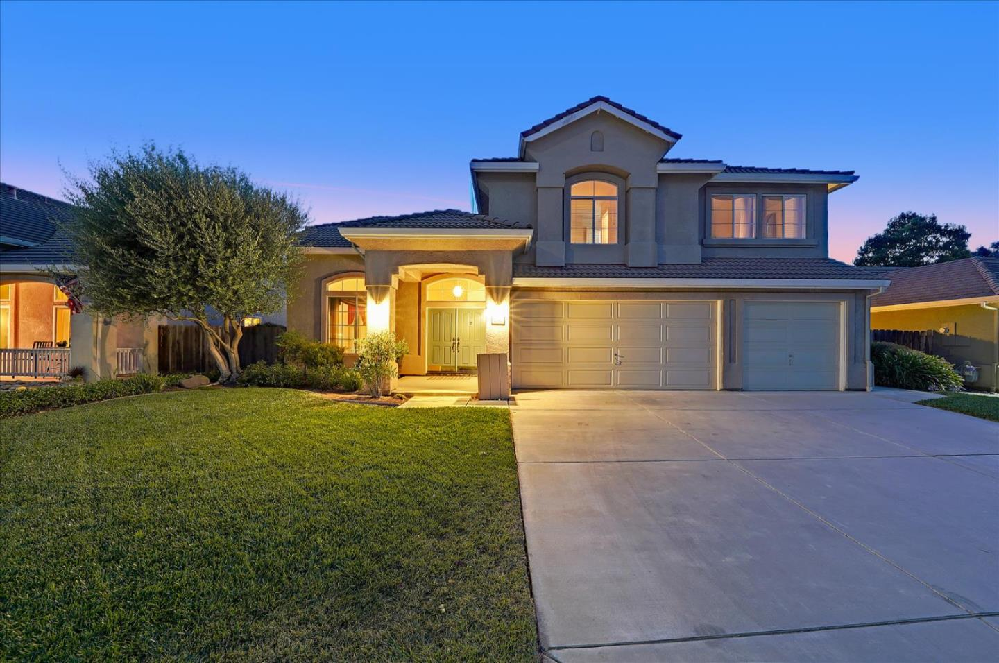Detail Gallery Image 1 of 56 For 2240 Glenview Dr, Hollister,  CA 95023 - 4 Beds   3 Baths
